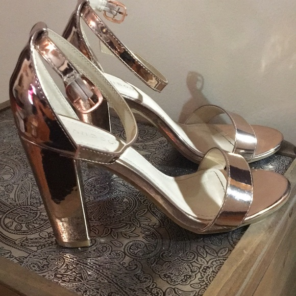 BAMBOO Shoes - Rose gold big heel sandals / rampage